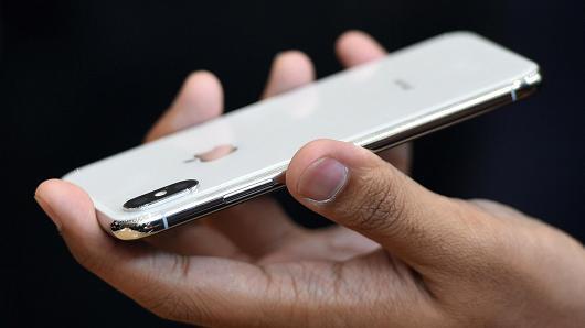 苹果股票评级再遭罕见下调:iPhone销量将低于预期