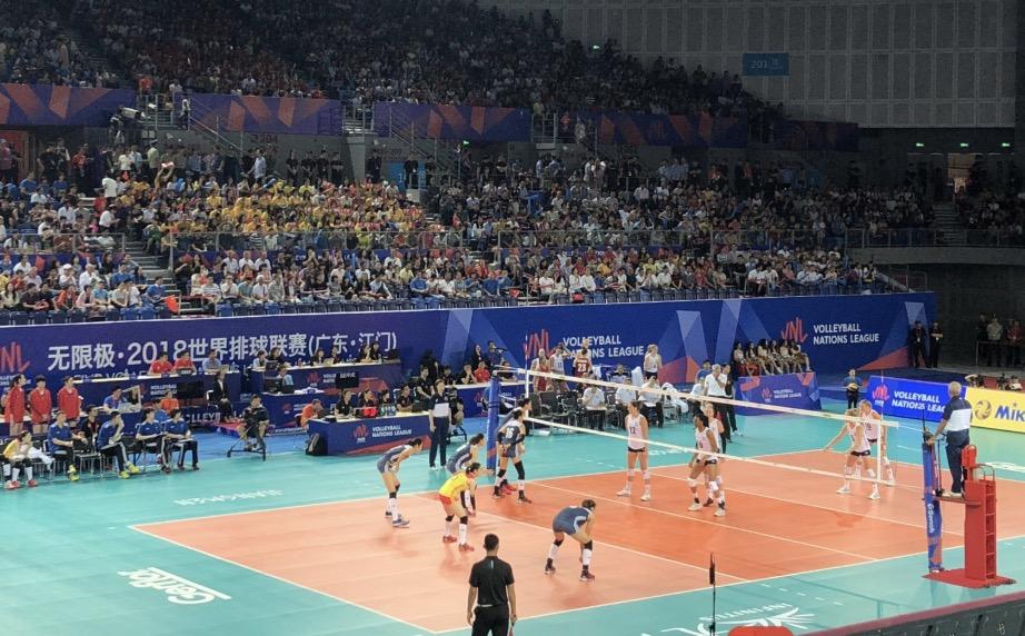 排球联赛江门站收官 中国女排不敌美国队