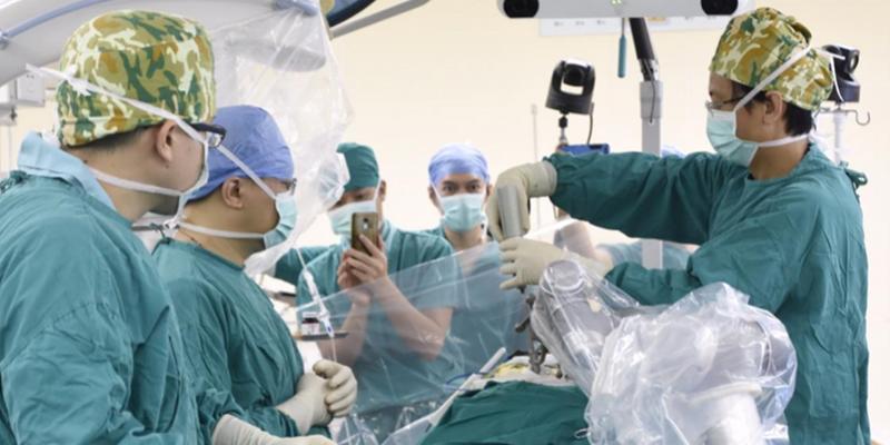 广州医院有机器人帮你做手术?是真的!