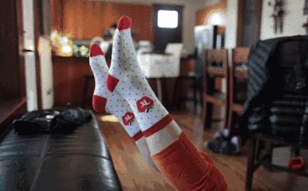 挑选袜子讲究!这4种袜子赶紧淘汰吧
