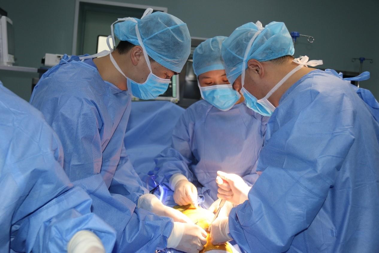 迎来搬迁后首例手术!深圳罗湖医院集团罗湖中医院手术部正式启用