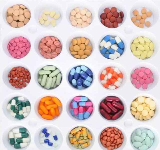为什么药?#24515;?#20040;多种颜色?#30475;?#26696;在这里