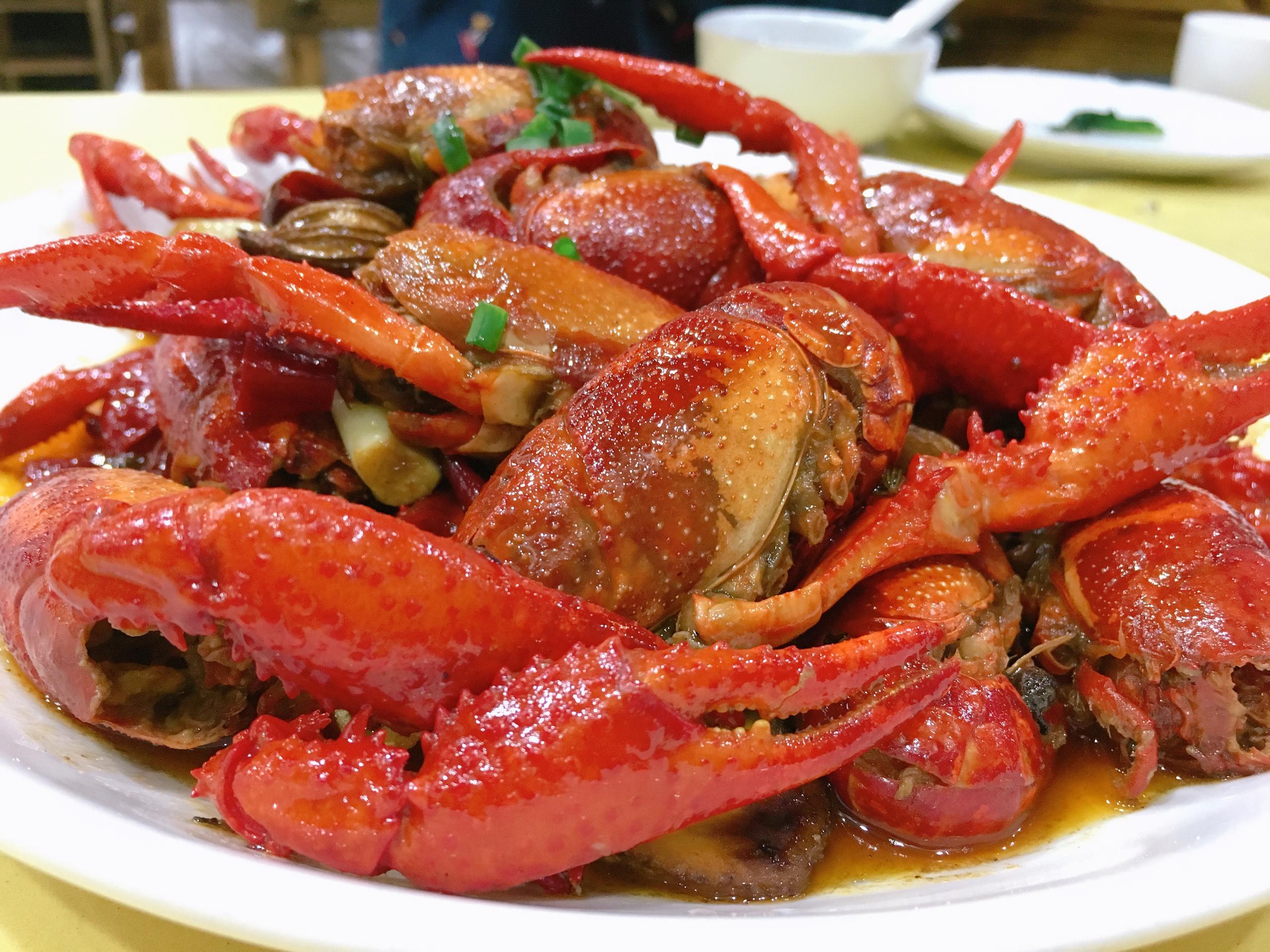 """小龙虾""""横行"""",原产地吃正宗"""