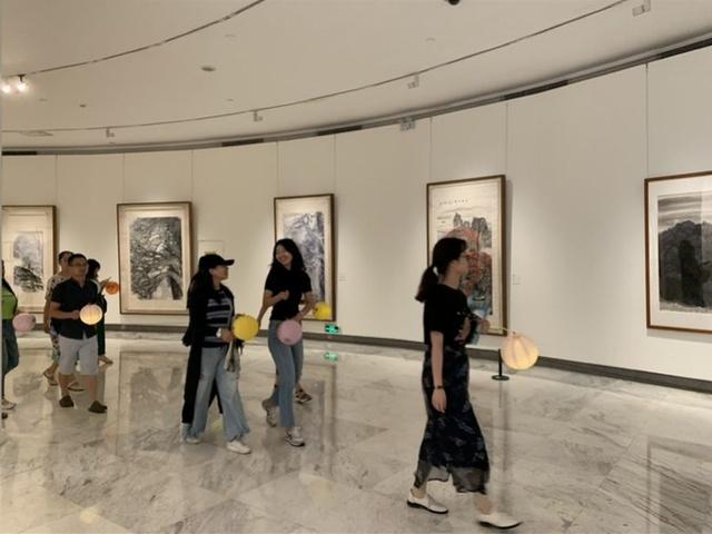 提灯笼看展,美术馆里感受中秋,这里首次夜间开放