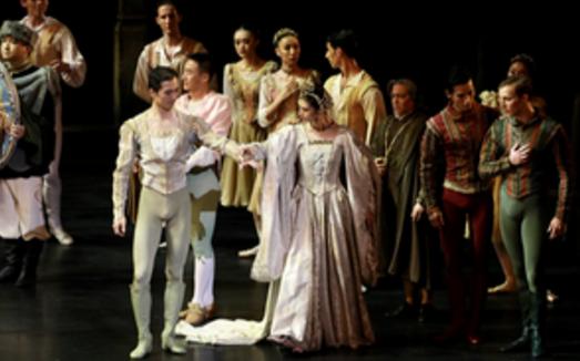 新编芭蕾舞剧《天鹅湖》深圳全球首演