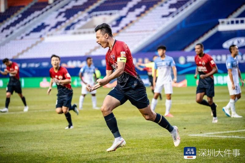 郜林当选广东足球先生!