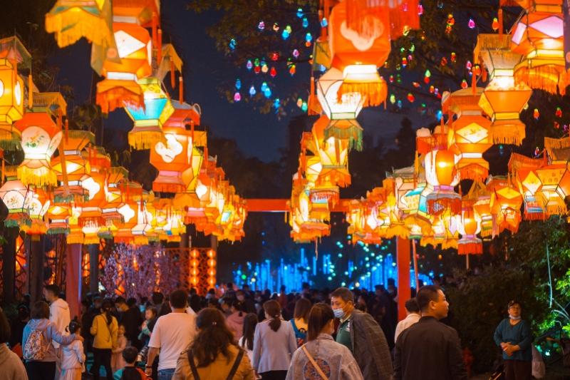 脱单派对、猜灯谜……中国情人节来这里嗨