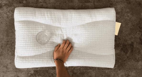 枕头用错伤颈椎,3步教你选个好枕头!