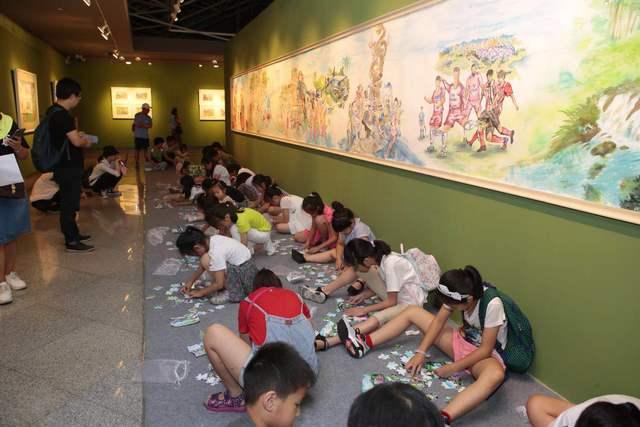"""深圳""""小画家""""们用画笔描绘这里,100幅画作勾勒龙岗新十景"""