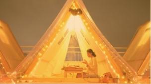 城中村的天台帐篷火锅,浪漫得好像在拍电影