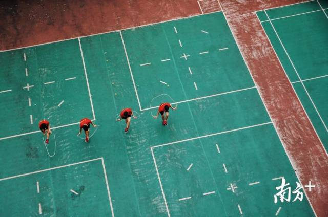 一面谈|广东这所村小凭一根绳子,拿下85枚世界金牌