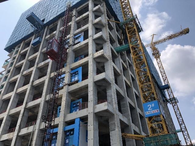 深圳一在建大厦被追讨45万元工资,施工方却称已结清,社区介入