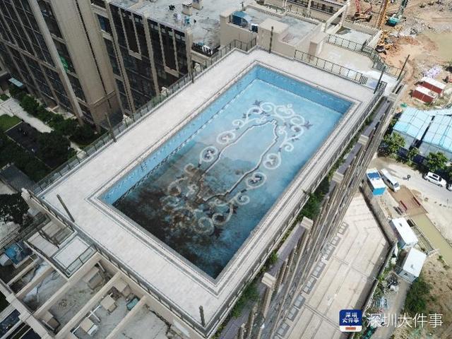 深圳一楼盘在楼顶违建大型游泳池,对业主谎称赠送,被罚228万