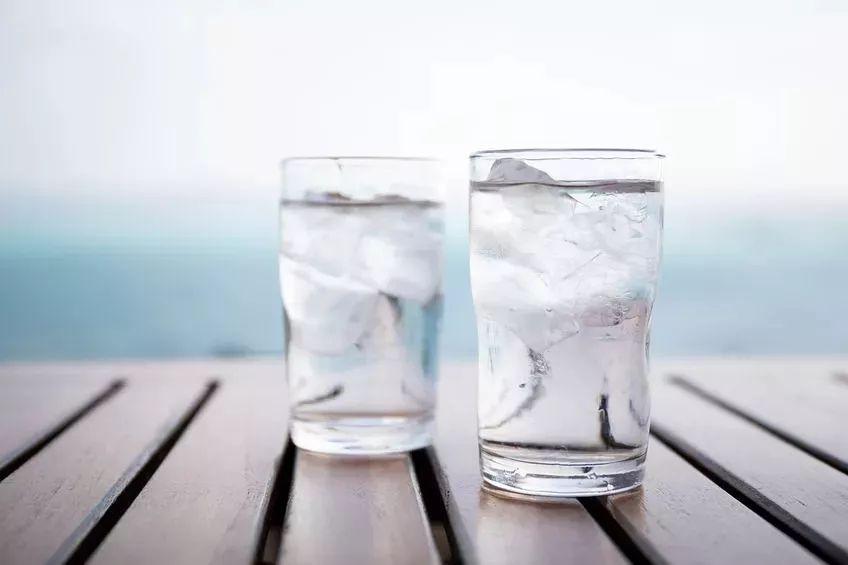 欧美人为什么生理期都要喝冰水不喝热水?