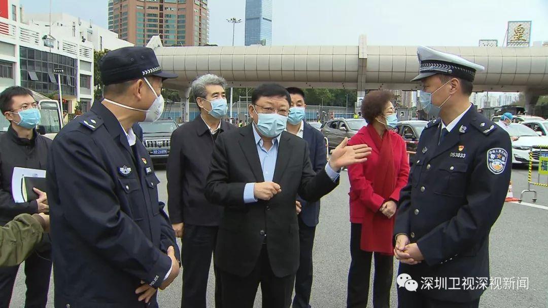 王伟中:让党旗在防控疫情斗争第一线高高飘扬