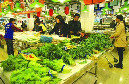 实体商业应变调查:饭店摆摊卖菜,消费转向社区超市