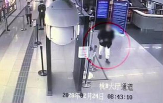 深圳一新冠肺炎治愈患者拒正确戴口罩搭地铁,经劝阻不配合后离开
