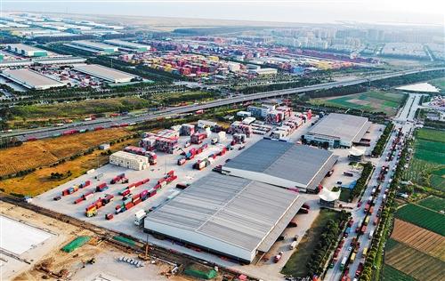 """上海自贸区临港新片区:""""全链条服务""""齐头并进"""