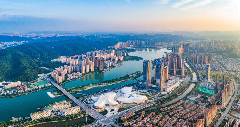 """以智能制造统领产业转型升级 湘江新区跑出高质量发展""""加速度"""