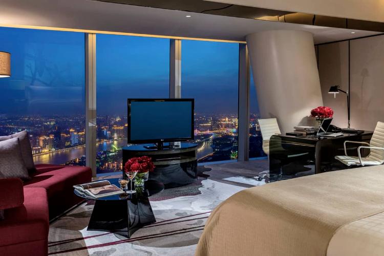 记者实测:广州四季酒店同房型同时段,不同人订房价格差两千