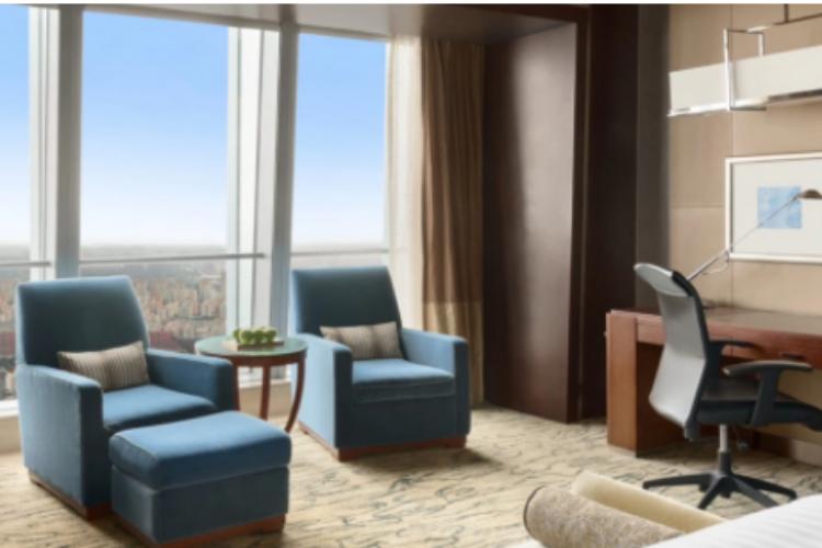 多人一起订酒店,为何同房不同价?酒店业内人士揭秘了